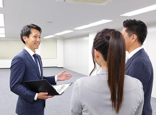 オフィス市場を知り尽くす経験豊富なスタッフが物件をご紹介
