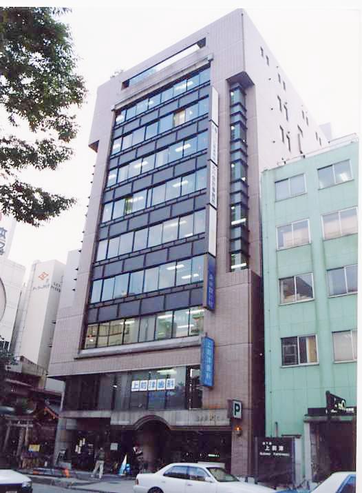 「上前津」駅から徒歩2分 9.52坪のビルです