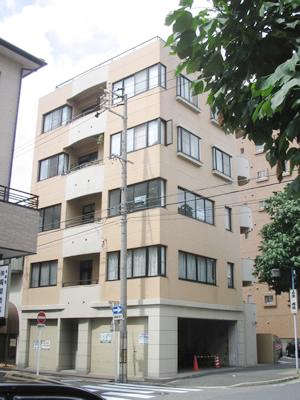 「矢場町」駅から徒歩12分 11.50坪のビルです