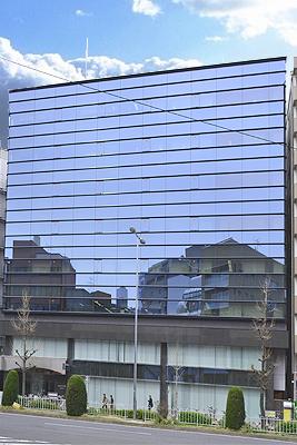 「名古屋」駅から徒歩5分 109.92坪のビルです
