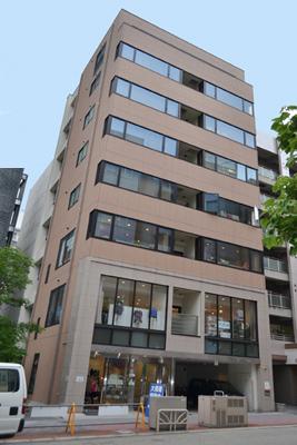 「栄」駅から徒歩8分 13.00坪のビルです