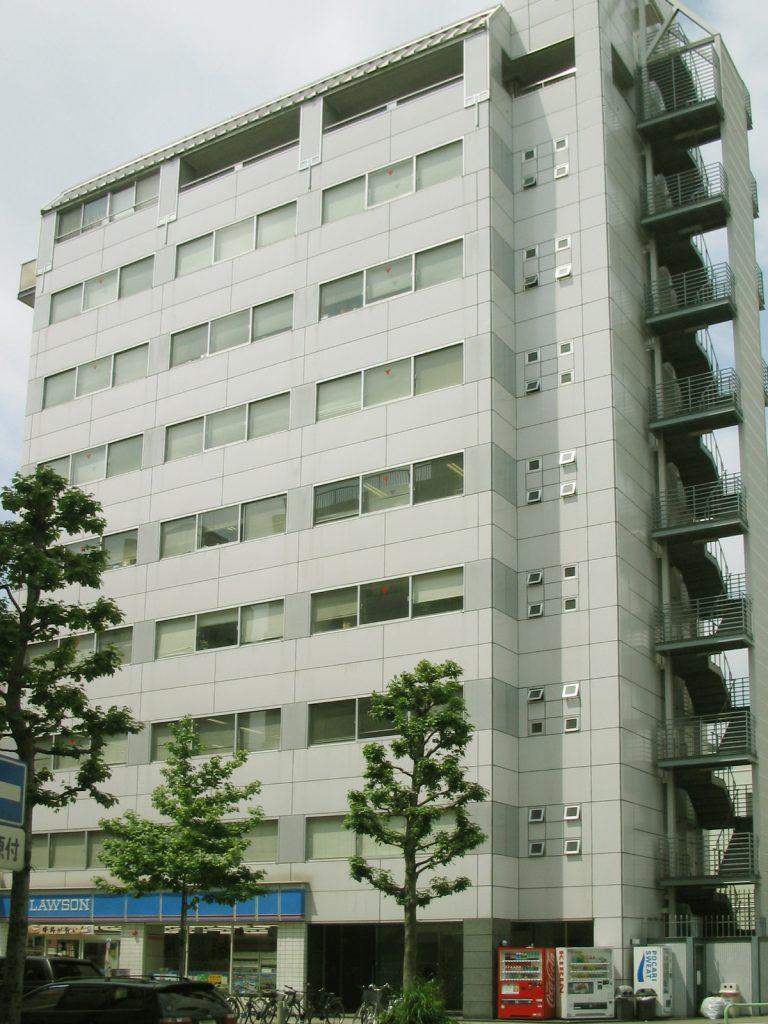 「丸の内」駅から徒歩3分 14.14坪・18.09坪のビルです