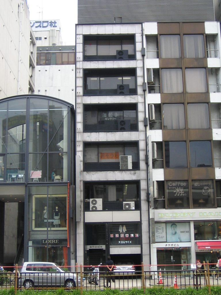 「栄」駅から徒歩2分 15.95坪のビルです